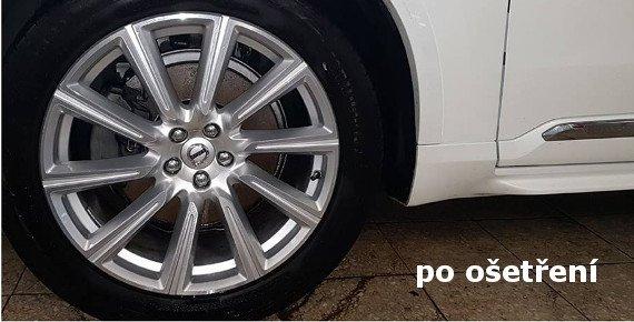 Ruční mytí vašeho vozu a aplikace NANO vosku pro ochranu laku až na 6 měsíců