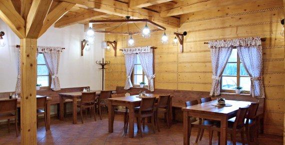 Noc se snídaní v penzionu v malebném podhůří Beskyd
