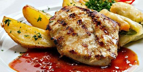 Dopřejte si lahodné jídlo ve vyhledávané restauraci v Beskydech