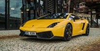 Adrenalinová jízda ve Ferrari nebo Lamborghini + záznam z jízdy