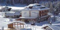 Týdenní lyžování v italských Alpách s polopenzí a skipasem od 1.2. do 8.2.2020 - ubytování přímo u sjezdovky