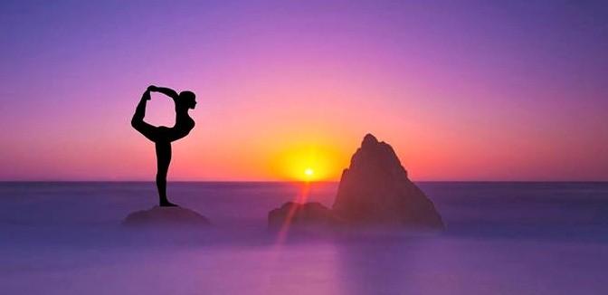 ilustrační obrázek ke slevové akci: 1 000 Kč permanentka na Hot Yogu, Vinyasa Yogu nebo Flying Yogu